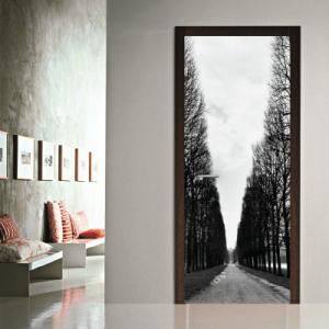 # Αυτοκόλλητο πόρτας ασπρόμαυρο μονοπάτι - Sticker Box